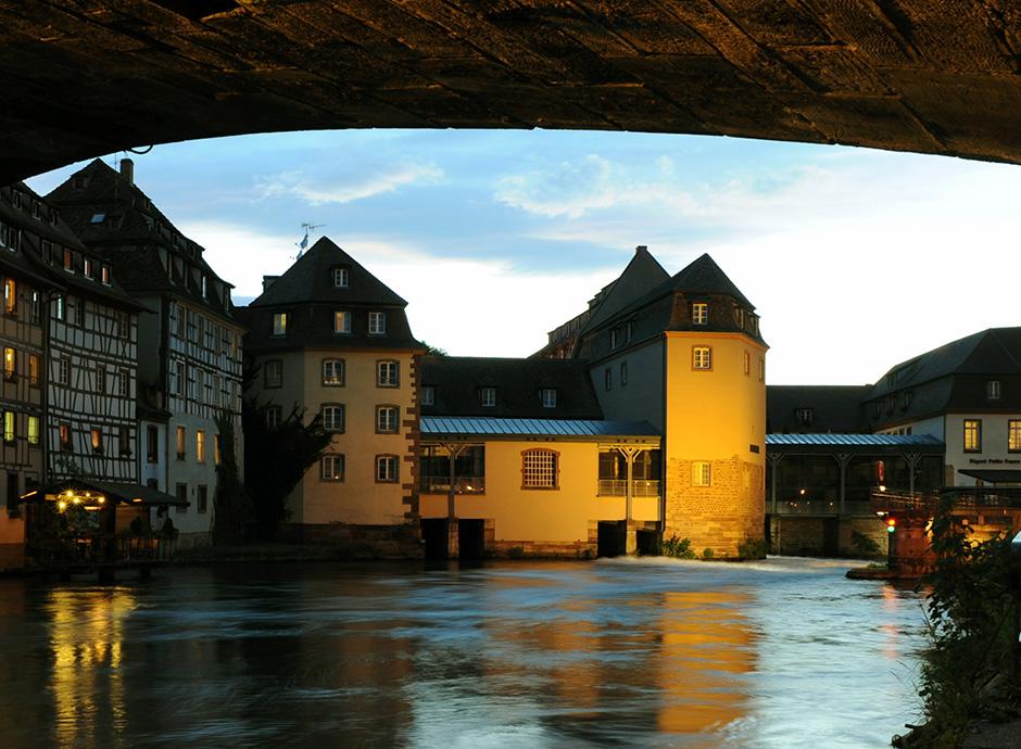 Facade vue du pont