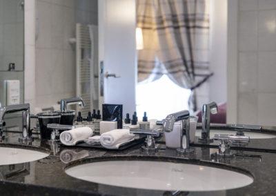 4-0-Salle de bain_Chambre Supérieure ©ZVARDON_HD copie
